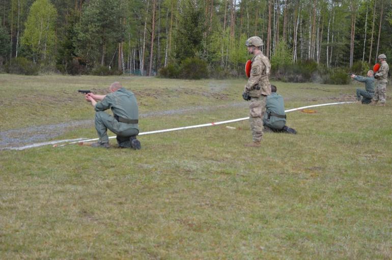 Стрільба находу та хімічна атака: третій день танкового біатлону НАТО