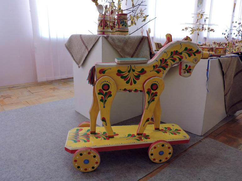 Виставка дерев'яних іграшок-забавок у Луцьку (ФОТО), фото-2