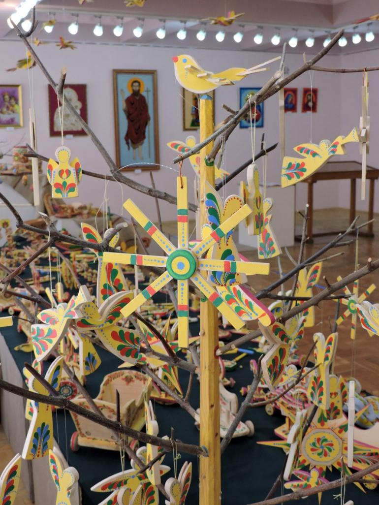 Виставка дерев'яних іграшок-забавок у Луцьку (ФОТО), фото-1