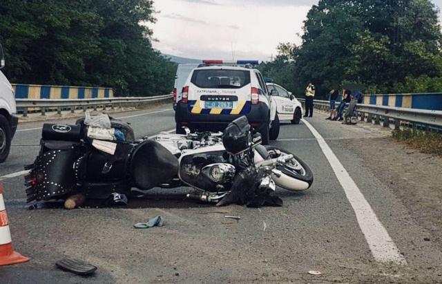 Байкер, який постраждав у ДТП на Мукачівщині, помер у лікарні